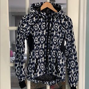 Like new lululemon hooded jacket sz 4